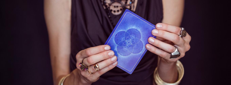 image-por-que-me-tornei-terapeuta-holistica-voltada-ao-tarot