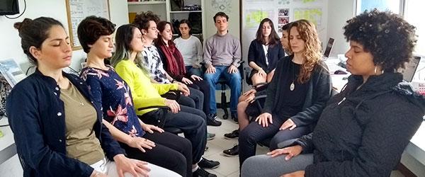 guia-da-alma-para-empresas-meditacao-yoga-massagem-saude-politize-florianopolis-métrica de sucesso-saúde mental