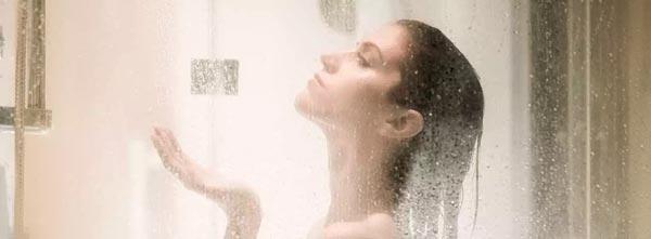 banho-de-aroeira-com-sal-grosso-limpeza-espiritural-tomar-banho